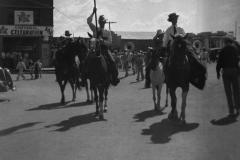 1936-parade-coming-from-Railroad-Ave