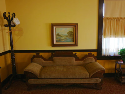Slaton Harvey House, Hopi Room Sofa