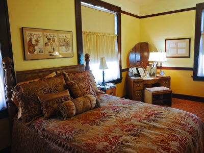 Slaton Harvey House, Cozy Navajo Room