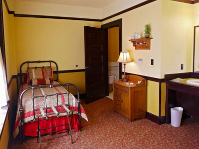 Slaton Harvey House, Zuni Room Extra Bed
