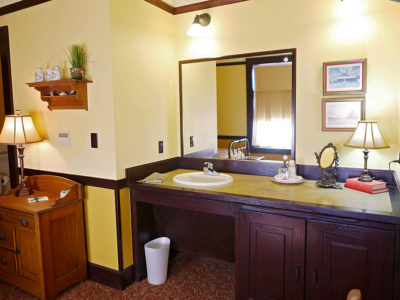Slaton Havey House, Zuni Room Vanity